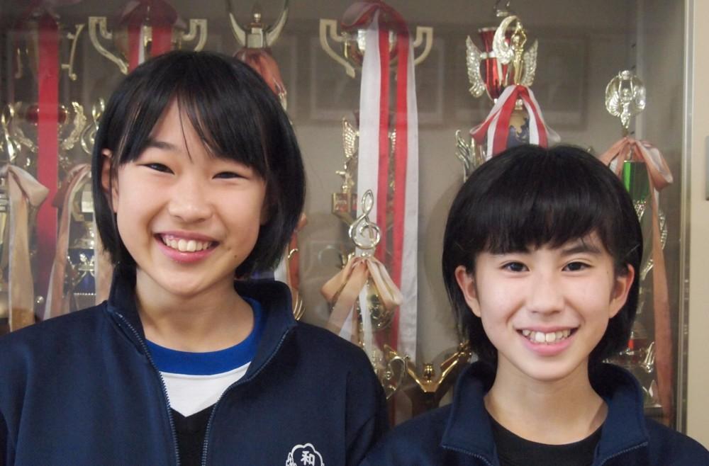 部長の八藤後結夏さんと副部長の新満風菜さん(写真右)